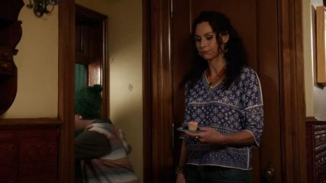 """Isabel Marant Etoile """"Bela"""" Instarsia Top outfit worn by Fiona (Minnie Driver) in About a Boy (S01E08) - TV Show Outfits and Products"""