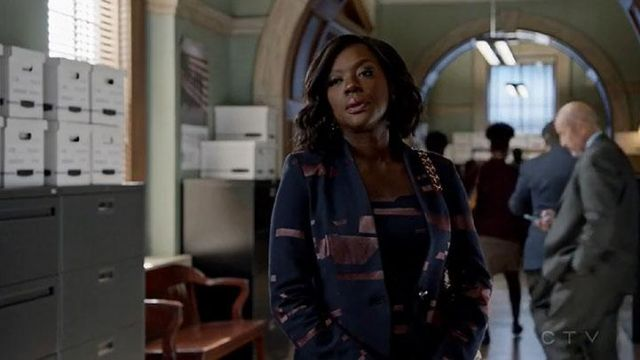Fashion Trends 2021: Jacket Escada blue satin and bordeaux of Annalise Keating (Viola Davis) seen in How To Get Away With Murder