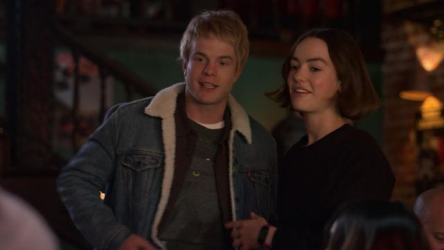 Jacket Levi s Sherpa outfit worn by Evan Chapin (Graham Rogers) seen in Atypical Season 2 Episode 5 - TV Show Outfits and Products
