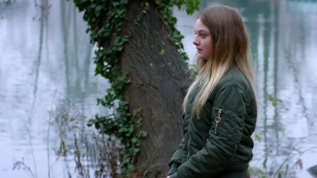 Jacket green, Julie (Lucy Ryan) seen in above suspicion Season 1 Episode 7 - TV Show Outfits and Products