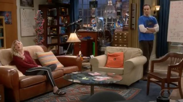 Jean grey with white band Joe's outfit worn by Penny (Kaley Cuoco) seen in The Big Bang Theory S12 Episode 5 - TV Show Outfits and Products