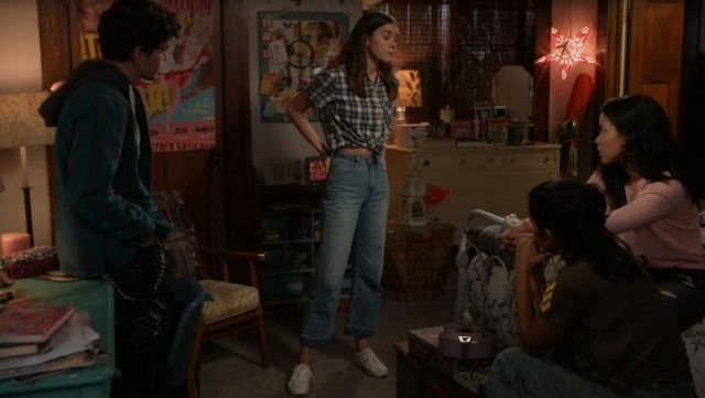Fashion Trends 2021: Jean of Callie Adams Foster (Maia Mitchell) on The Fosters Season 5E14