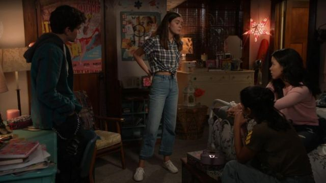 Fashion Trends 2021: Jean of Callie Jacob (Maia Mitchell) on The Fosters (S5E14)
