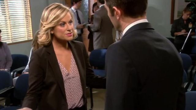 Joie Daryn honeycomb print blouse outfit worn by Leslie Knope (Amy Poehler) in Parks and Recreation (S06E03) - TV Show Outfits and Products