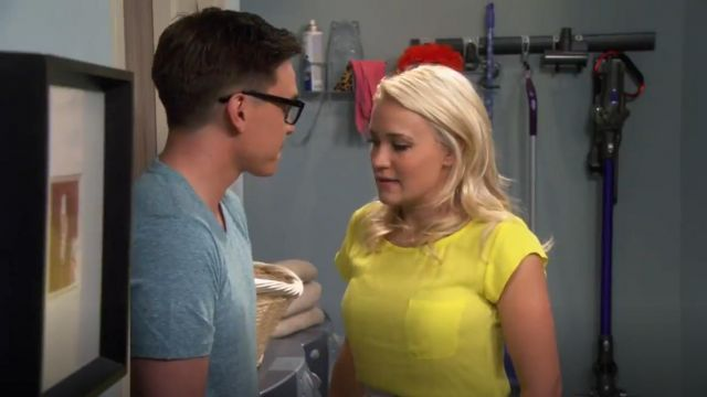 Joie Rancher Blouse outfit worn by Gabi Diamond (Emily Osment) in Young & Hungry (S01E07) - TV Show Outfits and Products