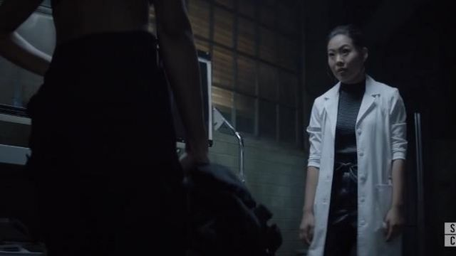 Just Female Black Tie Waist Leather Trousers outfit worn by Mary Hamilton (Nicole Kang) on Batwoman Season01 Episode06 - TV Show Outfits and Products