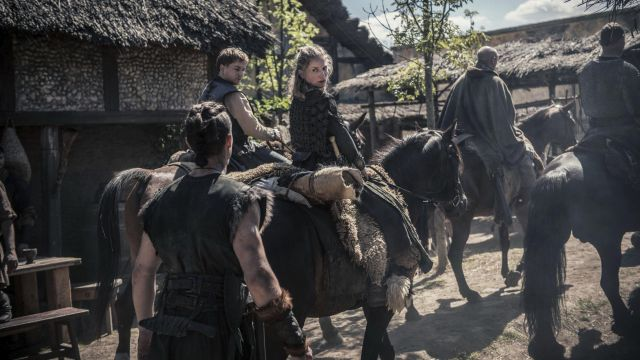 Knife in the viking Sihtric (Arnas Fedaravicius) seen in The Last Kingdom Season 2 Episode 4 - TV Show Outfits and Products