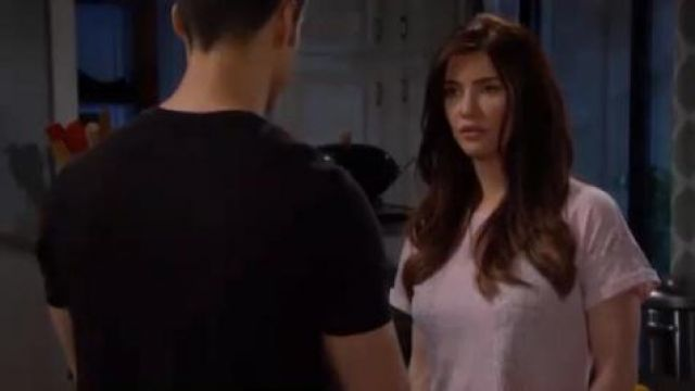 LNA Boxy Snakeskin Print Tee outfit worn by Jacqueline MacInnes Wood as seen in The Bold and the Beautiful June 03,2019 - TV Show Outfits and Products