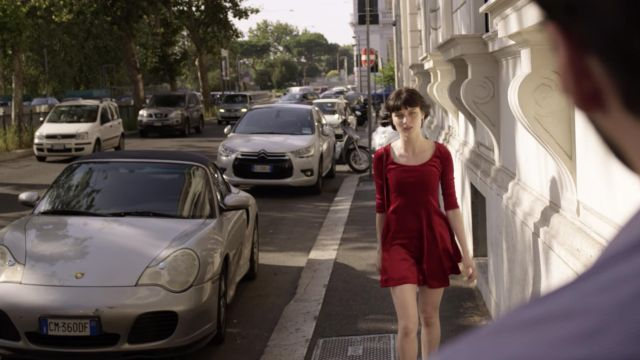 La robe rouge patineuse portée par Ludovica Storti (Alice Pagani) Baby (S01E06) - TV Show Outfits and Products
