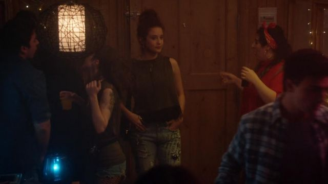 Ladies of Marina (María Pedraza) seen in Elite Season 1 Episode 3 - TV Show Outfits and Products