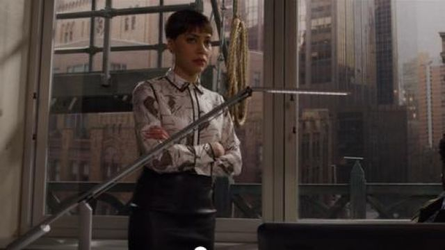 Lafayette 148 Scottie Leo Print Silk Blouse outfit worn by Lucca Quinn (Cush Jumbo) in The Good Fight (S03E10) - TV Show Outfits and Products