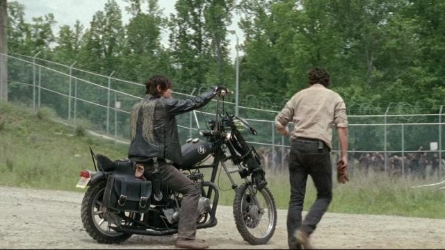 Leather jacket without sleeves outfit worn by Daryl Dixon (Norman Reedus) seen in The Walking Dead Season 4 Episode 1 - TV Show Outfits and Products