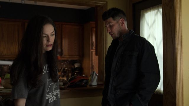 Fashion Trends 2021: Led Zeppelin USA 77 Vintage t-shirt outfit seen on Beth Quinn (Alexa Davalos) in Marvel's The Punisher S02E01
