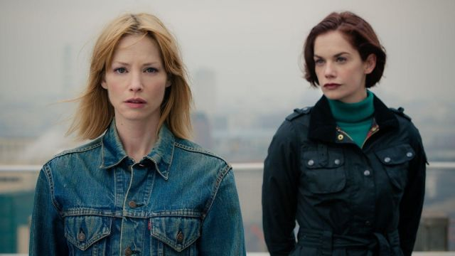 Levi's Denim Jacket outfit worn by Mary Day (Sienna Guillory) in Luther (S03E04) - TV Show Outfits and Products