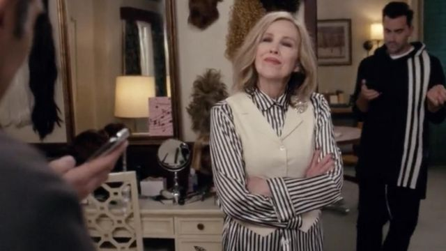 Fashion Trends 2021: Lily Silk 22 Momme Women Soft Pyjamas Set With Black And White Stripe outfit seen on Moira Rose (Catherine O'Hara) in Schitt's Creek S05E03