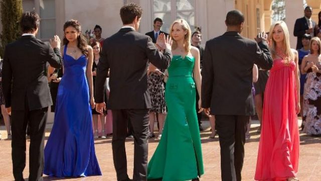 Fashion Trends 2021: Long dress green outfit worn by Caroline Forbes (Candice Accola) seen in The Vampire Diaries Season 1E19