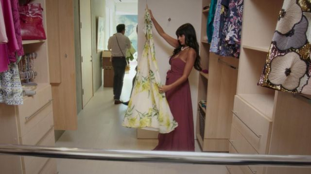 Long dress of Ms. Al-Jamil (Jameela Jamil) seen in The Good Place (Season 3 Episode 1) - TV Show Outfits and Products