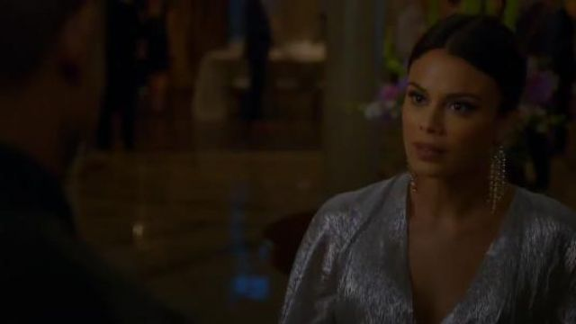 Lulu Frost Statement Crystal Earrings outfit seen on Cristal Jennings (Ana Brenda Contreras) in Dynasty (S01E18) - TV Show Outfits and Products