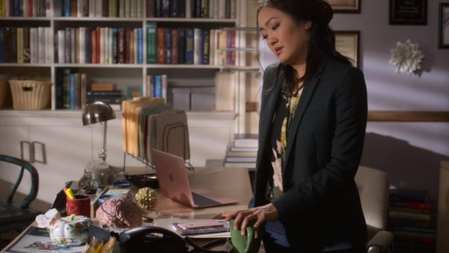 MacBook pink Julia Sasaki (Amy Okuda) seen in Atypical (Season 2 Episode 7) - TV Show Outfits and Products
