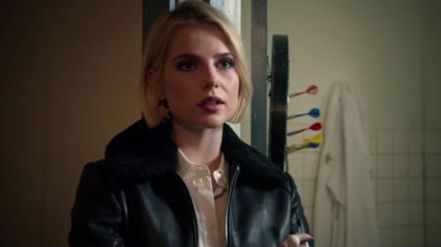 Madewell Gold Star Statement Earrings outfit worn by Astrid (Lucy Boynton) in The Politician Season 1 Episode 8 - TV Show Outfits and Products