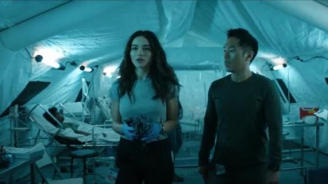 Madewell Harley Tee outfit worn by Abby Arcane (Crystal Reed) in Swamp Thing (Season 01 Episode 01) - TV Show Outfits and Products