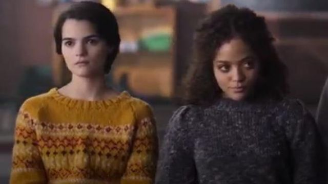 Madewell Pleat-Shoulder Pullover Sweater outfit worn by Tabitha Foster (Quintessa Swindell) in Trinkets (S01E09) - TV Show Outfits and Products