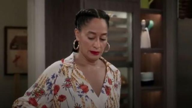 Madewell Simply Chunky Hoop Earrings outfit worn by Rainbow Johnson (Tracee Ellis Ross) in black-ish Season 6 Episode 7 - TV Show Outfits and Products