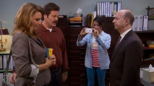 Madewell V-neck pocket tee in stripe outfit worn by Leslie Knope (Amy Poehler) in Parks and Recreation (S06E01) - TV Show Outfits and Products