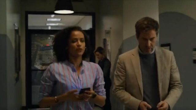 Madewell Women's Tunic Shirt outfit worn by Hannah Shoenfeld (Gugu Mbatha-Raw) in The Morning Show Season 01 Episode 02 - TV Show Outfits and Products