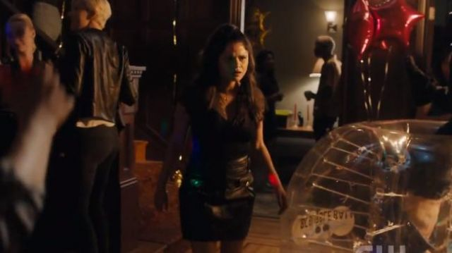 Maje black jivac short leather skirt outfit worn by Mel Vera (Melonie Diaz) in Charmed Season 2 Episode 1 - TV Show Outfits and Products