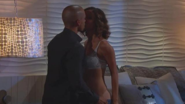 Natori Devotion Lace Contour Underwire Bra outfit worn by Elena Dawson (Brytni Sarpy) as seen on The Young and the Restless November 8, 2019 - TV Show Outfits and Products