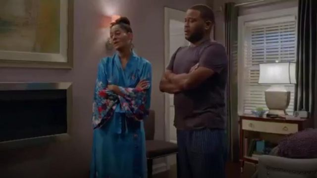 Natori Nadja Charmeuse Robe outfit worn by Rainbow Johnson (Tracee Ellis Ross) in black-ish (Season01 Episode14) - TV Show Outfits and Products