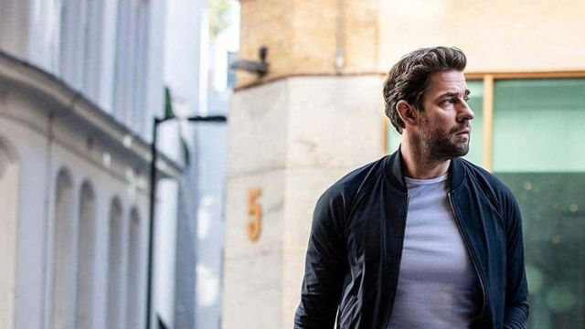 Navy blue bomber jacket outfit worn by Jack Ryan (John Krasinski) in Tom Clancy's Jack Ryan (S02E08) - TV Show Outfits and Products