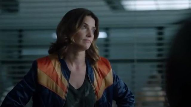 Navy blue rising sun jacket outfit worn by Dex Parios (Cobie Smulders) in Stumptown Season 1 Episode 2 - TV Show Outfits and Products