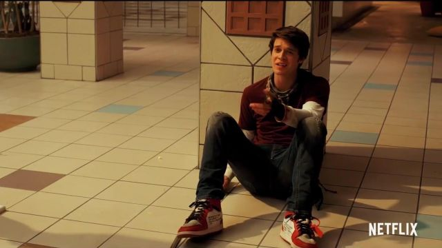 Nike air jordan retro 1 outfit worn by Josh Wheeler (Colin Ford) in Daybreak (S01) - TV Show Outfits and Products