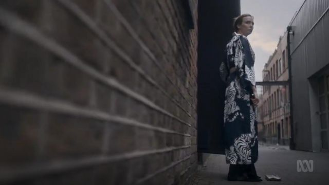 Olivia Von Halle Queenie Silk Robe outfit worn by Villanelle (Jodie Comer) in Killing Eve (S02E07) - TV Show Outfits and Products