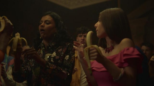 Fashion Trends 2021: Olivia's (Simone Ashley) embeliished floral jacket as seen in Sex Education S01E02