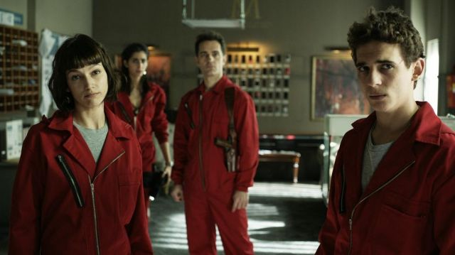 Fashion Trends 2021: Outfit turning red Berlin (Pedro Alonso) seen in The casa de papel Season 1 Episode 9