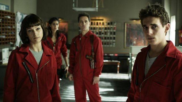 Fashion Trends 2021: Outfit turning red in The casa de papel Season 1 Episode 9