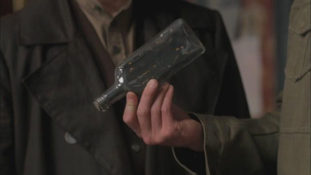 Fashion Trends 2021: Package with the ashes of the Phoenix by Samuel Colt in Supernatural Season 6E18