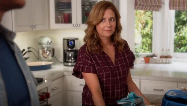 Fashion Trends 2021: Paige Jaylin Plaid Shirt outfit seen on Lena (Jenna Fischer) in Splitting Up Together (S02E03)