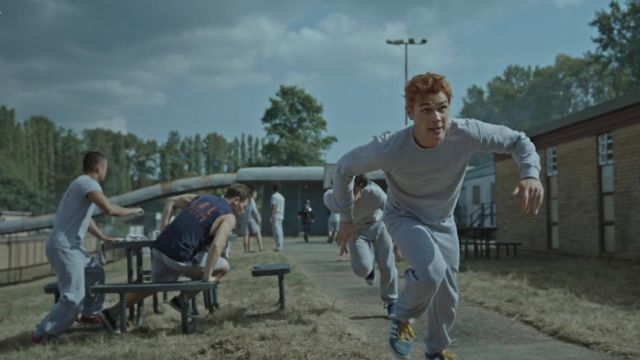 Pair of sneakers Adidas Gazelle blue outfit worn by Archie Andrews