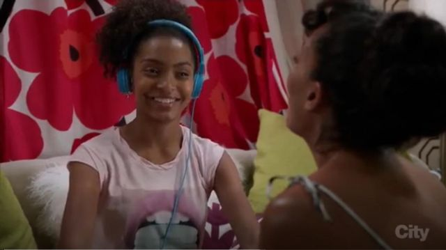 Pam & Gela Frankie Macaroon Graphic Muscle Tee outfit worn by Zoey Johnson (Yara Shahidi) in black-ish (S03E03) - TV Show Outfits and Products