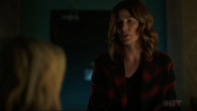 Penelope Plaid Wool-Blend Coat outfit worn by Dex Parios (Cobie Smulders) in Stumptown Season 01 Episode 06 - TV Show Outfits and Products