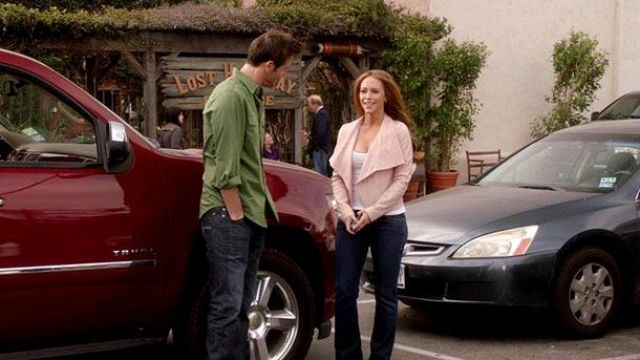 Fashion Trends 2021: Pink jacket with flaps of Riley Parks (Jennifer Love Hewitt) seen in the Client List Season 1 Episode 5