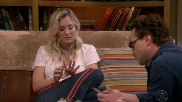 Pink t-shirt Rails outfit worn by Penny (Kaley Cuoco) seen in The Big Bang Theory S12 Episode 3 - TV Show Outfits and Products