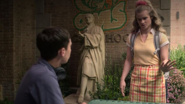 Plaid skirt outfit worn by Paige (Jenna Boyd) seen in Atypical Season 2E10 - TV Show Outfits and Products