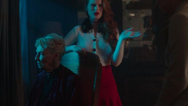 Fashion Trends 2021: Pleated skirt red of Cheryl Blossom (Madeleine Petsch) seen in Riverdale
