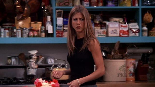 Fashion Trends 2021: Pot and utensils a Chef in the kitchen of Monica Geller (Courtney Cox) seen in Friends Season 5E20