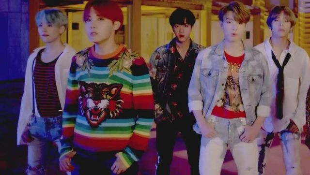 Pull Gucci outfit worn by JHope in the clip D. N. A. of BTS - Youtube Outfits and Products